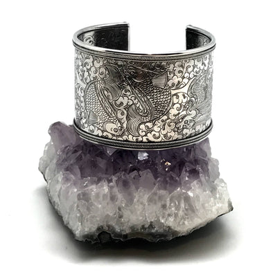 Twin Fish Cuff Bracelet silver - Large, front view. - BMT-LG
