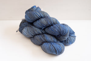 madelinetosh mcn worsted - worn denim