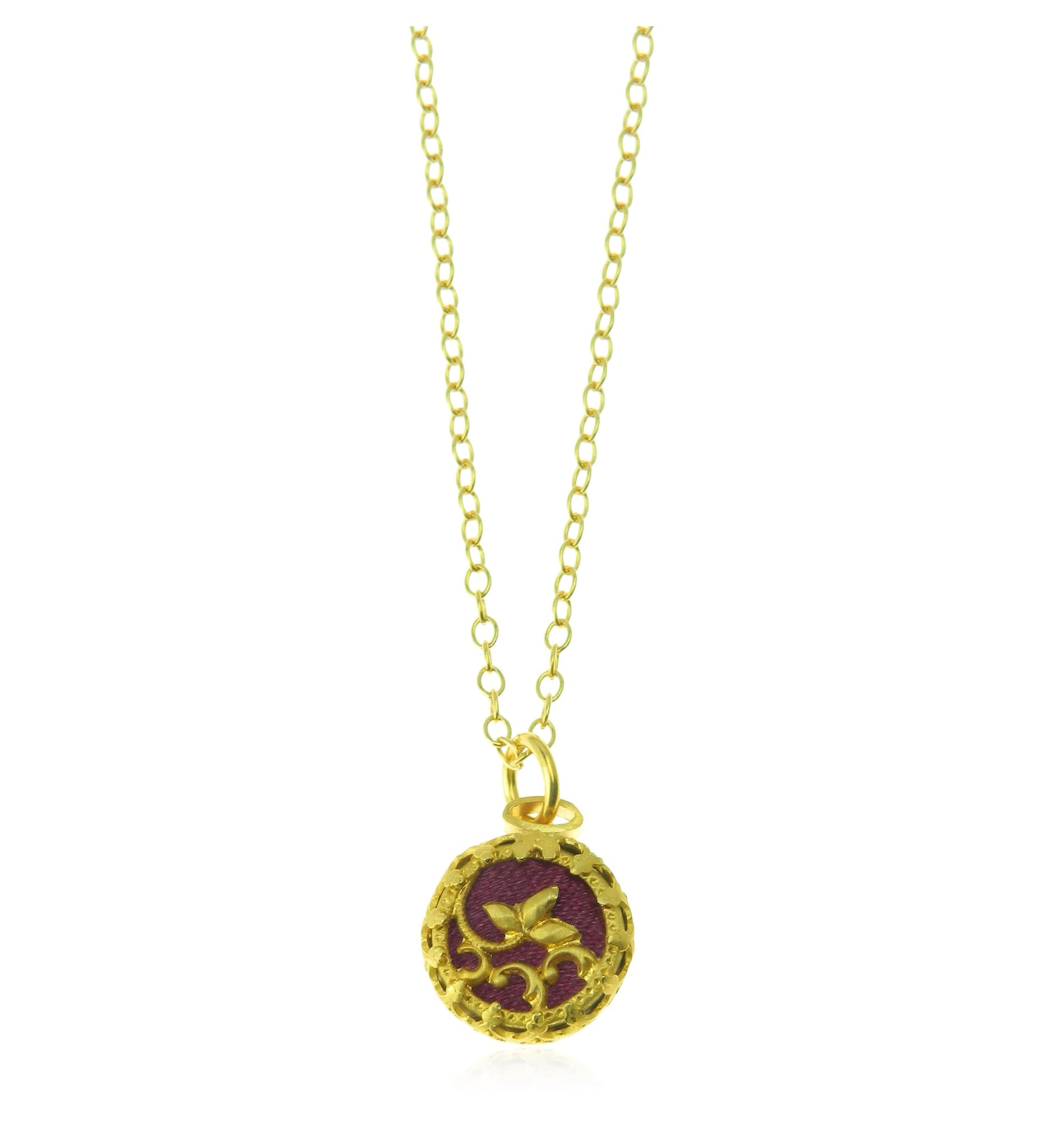 Burgundy pendant and chain