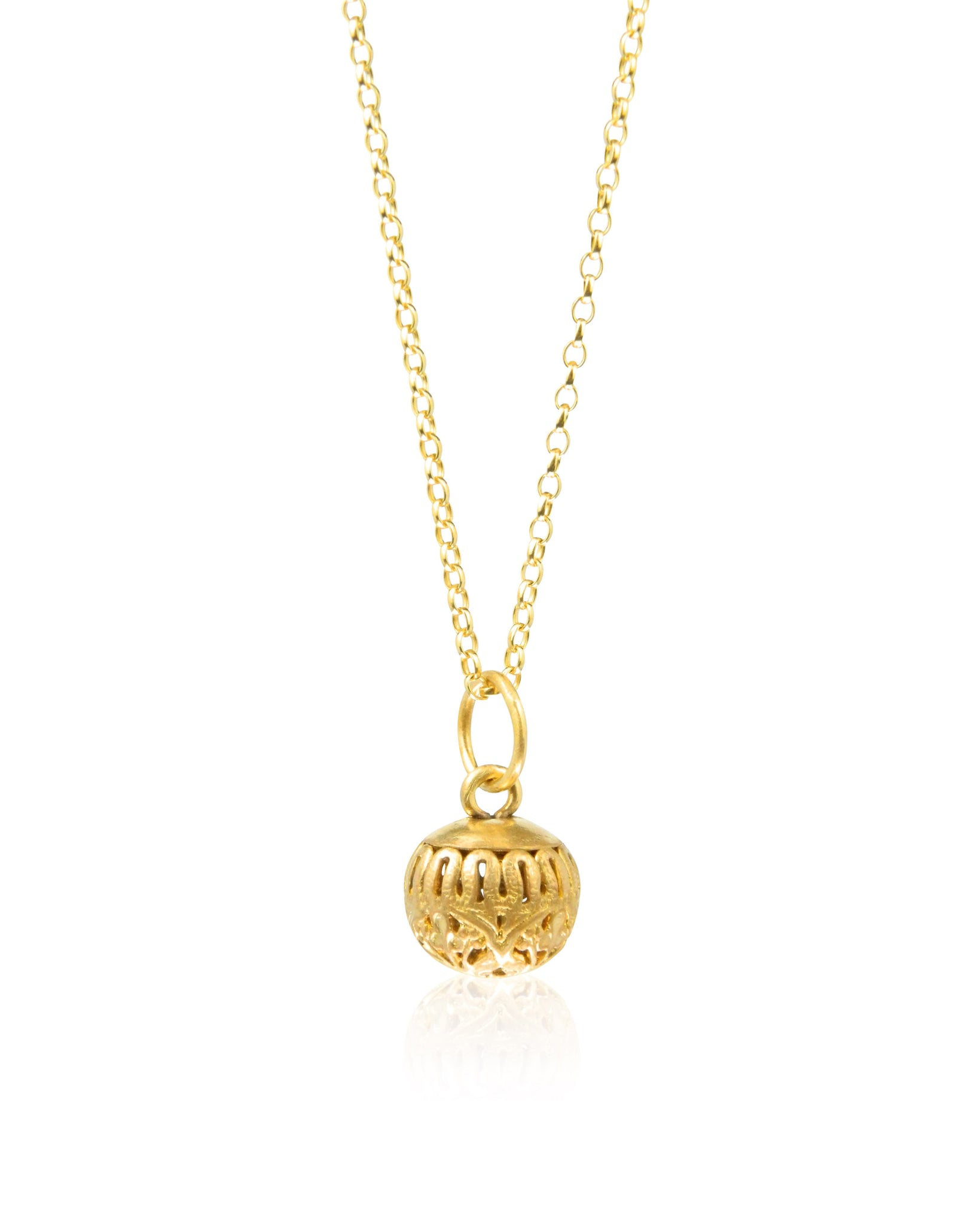 Ball filigree pendant and chain
