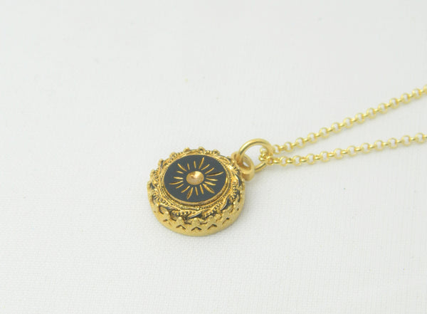 Black and gold star pendant and chain