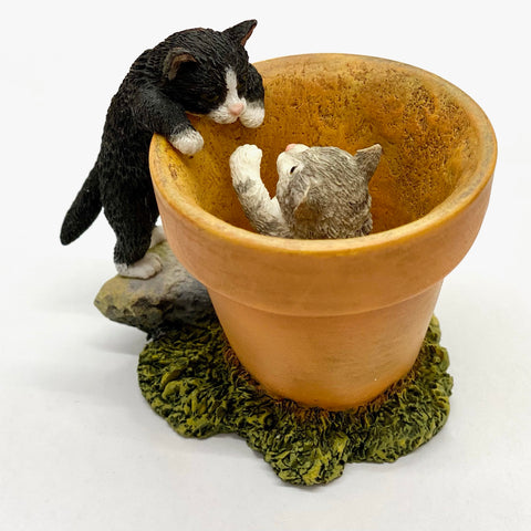 Flowerpot Cat Ornament Two Kittens Playing