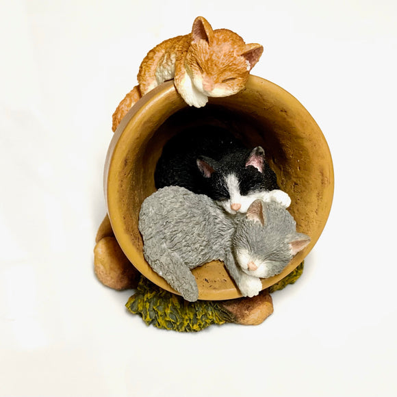 Flowerpot Cat Ornament Three Kittens Asleep