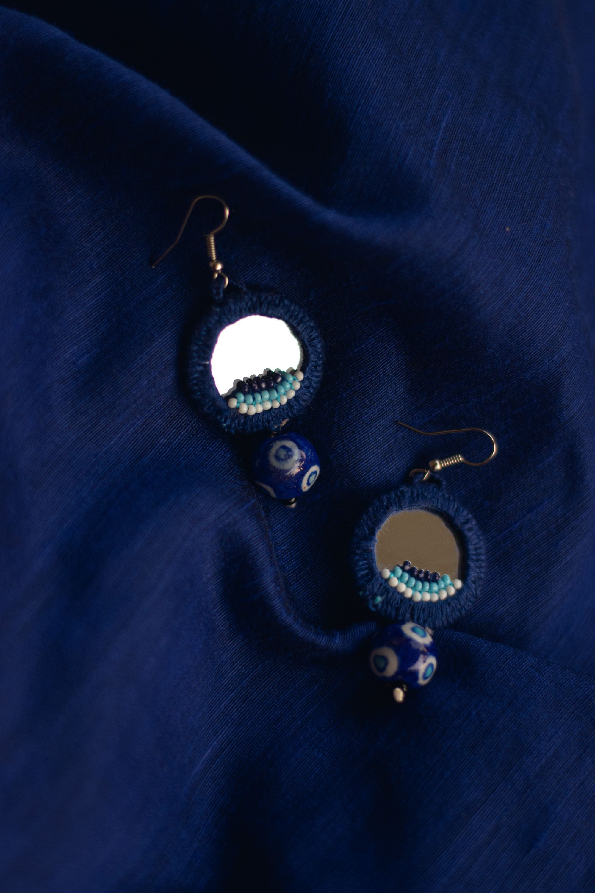 Kaisori thread pottery earrings - Blue circle with beads - Kaisori