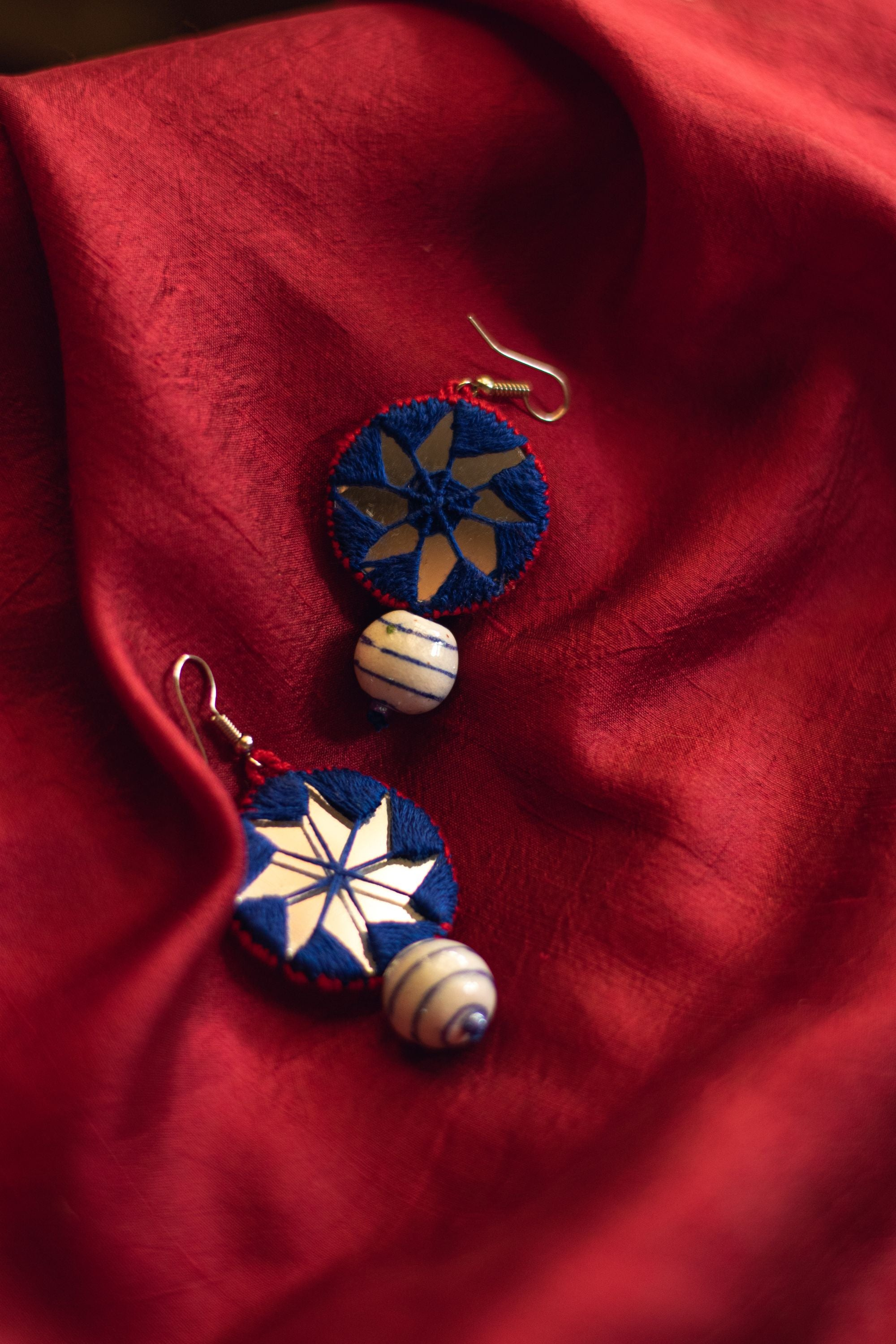 Kaisori Dual circle thread pottery earrings - Pink and Blue - Kaisori