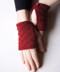 Idiot's Guide Knitting buttoned wristlets