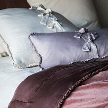 Load image into Gallery viewer, Bella Notte Linens, Helane Kidney Pillow