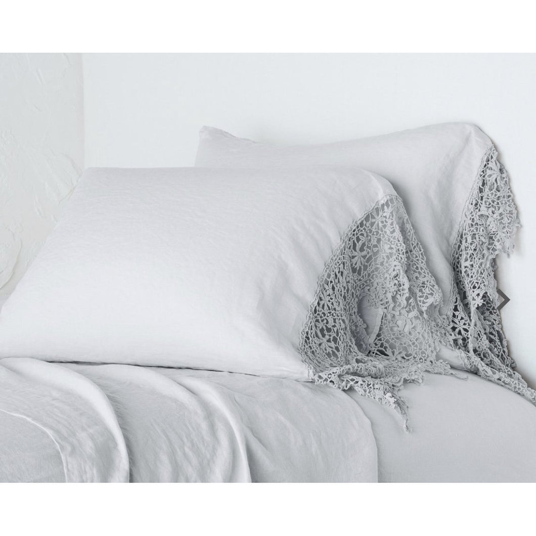 Bella Notte Linens Frida Standard Pillowcase with Lace Trim