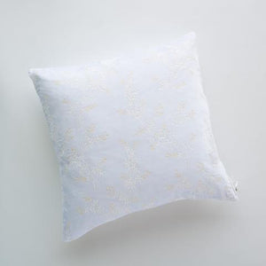 "Bella Notte Linens Lynette 24""x24"" Throw Pillow (16 colors)"