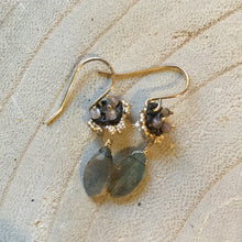 Load image into Gallery viewer, Clover Earring with Labradorite Drop