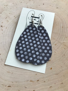 The Polkadots (navy, grey or black)