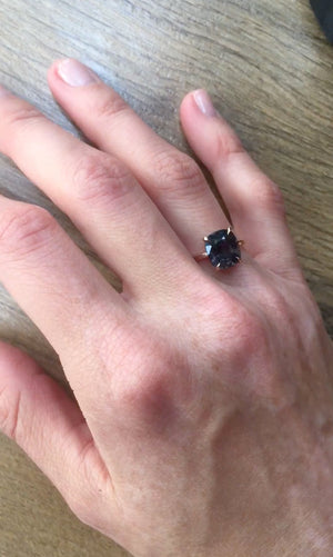 1,34 Ct Titan Spinel 18 Kt Rose Gold Ring