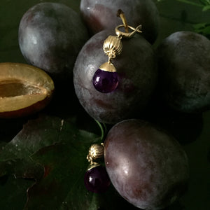 18 Karat Yellow Gold Fig Fruits Cocktail Earrings with Amethysts by the Artist