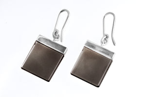 Ink earrings in 14 KT white gold with smoky quartzes