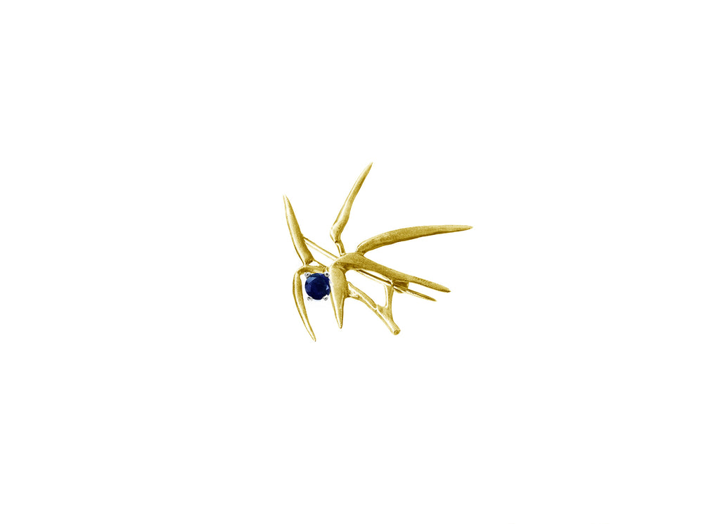 Bamboo brooche N1 in 18 KT yellow gold with sapphire