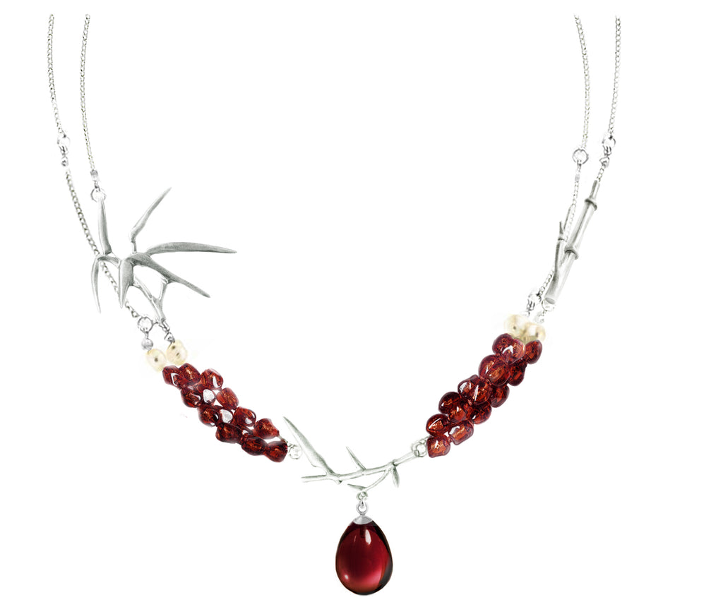 Royal Garden Bamboo necklace with garnets and pearls