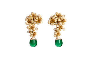 Plum flowers earrings with diamonds and green rock crystals in yellow gold