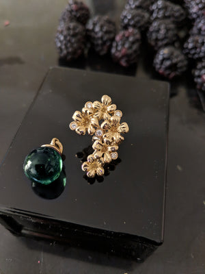 18 Karat Yellow Gold Blossom Necklace Pendant 0.15 Carat Diamonds by the Artist
