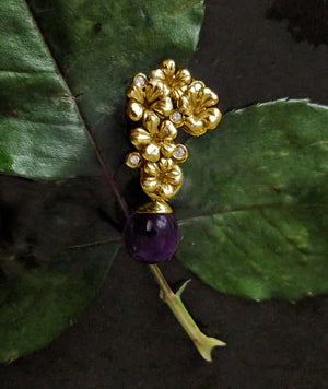 Modern 18 Karat Yellow Gold Blossom Necklace Pendant 0.15 Carat Diamonds