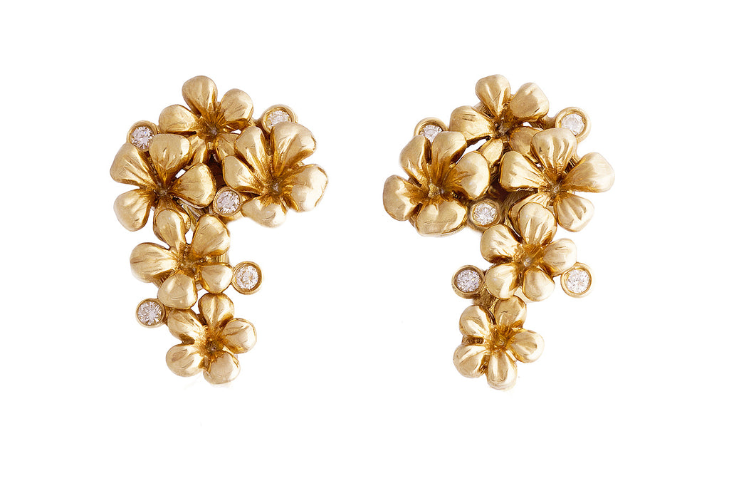 Pear flowers golden earrings with diamonds