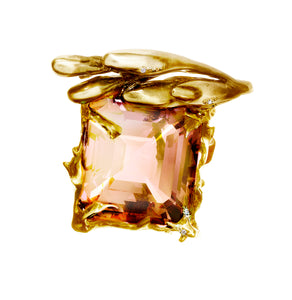 18 Karat Yellow Gold Cocktail Ring with Cushion Peach Kunzite and Diamonds
