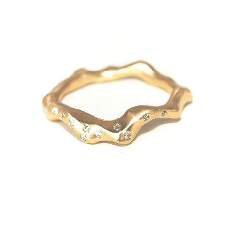 the-10-diamond-driftwood-ring-yellow-gold