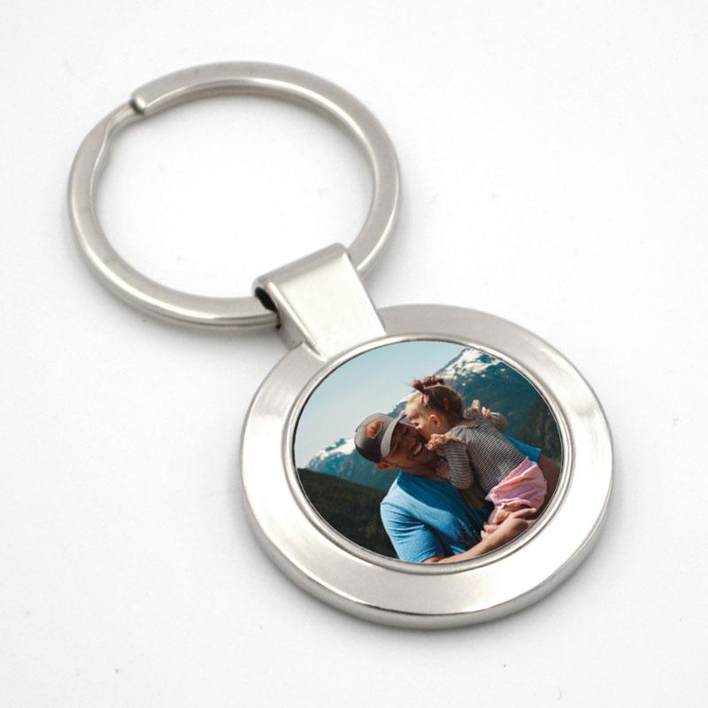Personalised round metal photo keyring