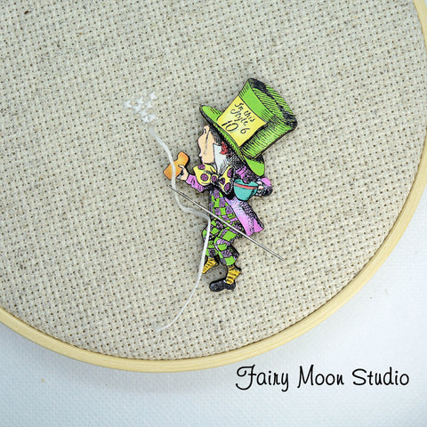 Alice In Wonderland Mad Hatter Needle Minder