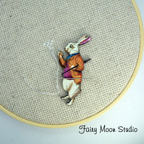 Alice In Wonderland White Rabbit Needle Minder