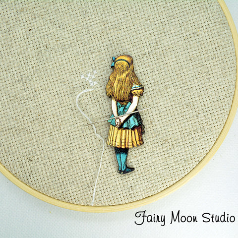 "Alice In Wonderland ""Alice Backside"" Needle Minder"