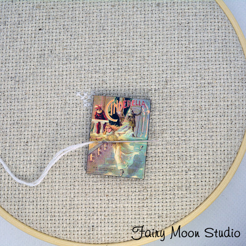 Cinderella Book Needle Minder