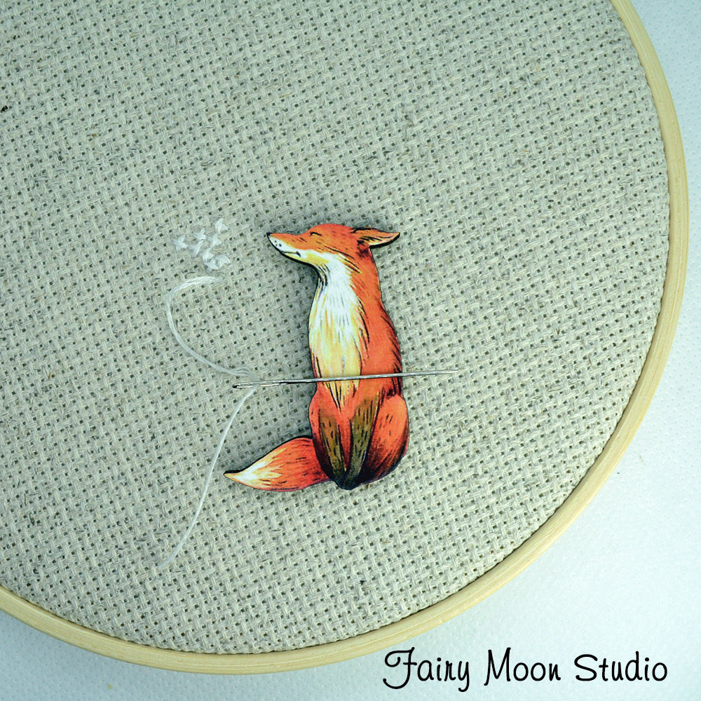 Fox Sitting Needle Minder