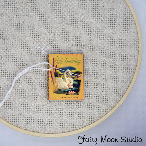 The Ugly Duckling Book Needle Minder