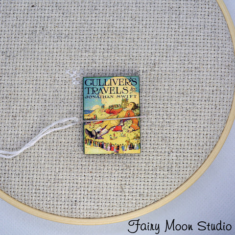 Gulliver's Travels Needle Minder