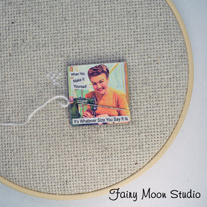 Funny Sewing Needle Minder