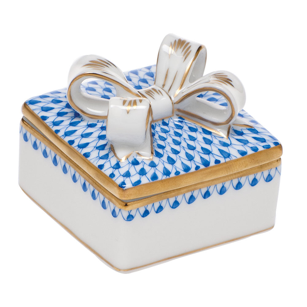 HEREND BLUE BOX WITH BOW