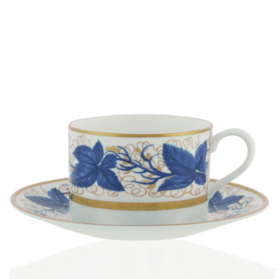WILLIAM YEOWARD CRYSTAL HAMPTON COURT CUP & SAUCER