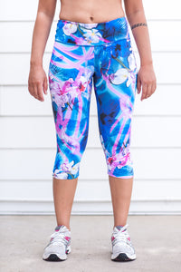 """Hawaiian Breeze"" Performance 3/4 Legging - Trampoline Activewear"