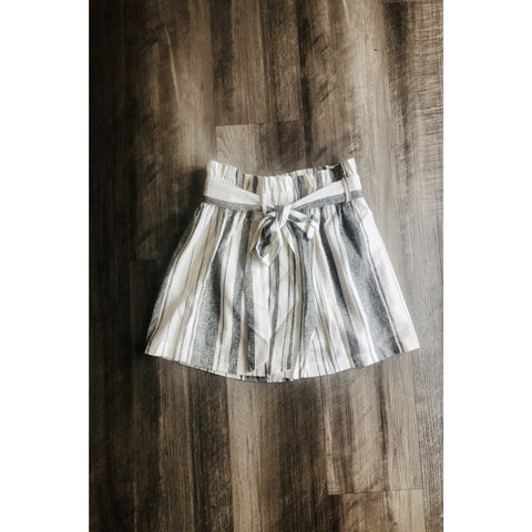 Linen Shorts with Gathered Waist