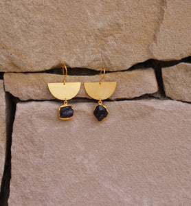 CRESCENT NATURAL STONE EARRINGS SMOKY QUARTZ