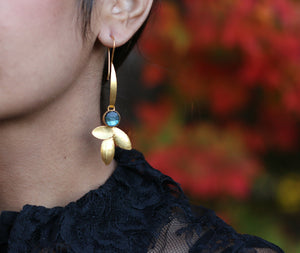 TRINE EARRINGS NATURAL STONE 18K GOLD PLATED LABRADORITE / TURQUOISE / PEARL / GARNET