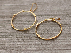 DOTTED HOOP HOOK EARRINGS 18K GOLD PLATED