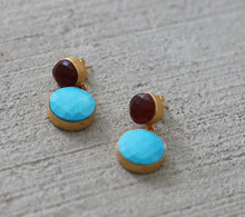 EMBELLISH 18K GOLD PLATED EARRINGS TURQUOISE / GARNET