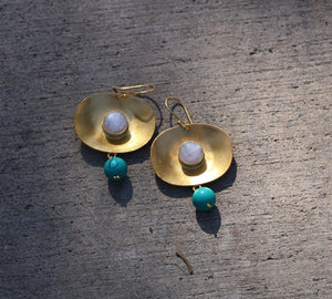OYSTER TURQUOISE & PEARL 18K GOLD PLATED EARRINGS