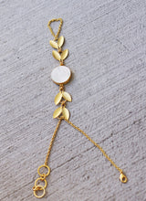 FOREST PRINCESS - MOTHER OF PEARL ADJUSTABLE 18K GOLD PLATED HAND CHAIN / HAND ARREST