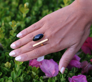 BAR RING 18K GOLD PLATED ADJUSTABLE RING GARNET / BLACK ONYX