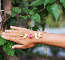 FOREST PRINCESS - PINK DRUZY ADJUSTABLE 18K GOLD PLATED HAND CHAIN / HAND ARREST
