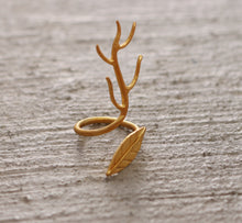 FOREST QUEEN 18K GOLD PLATED ADJUSTABLE RING