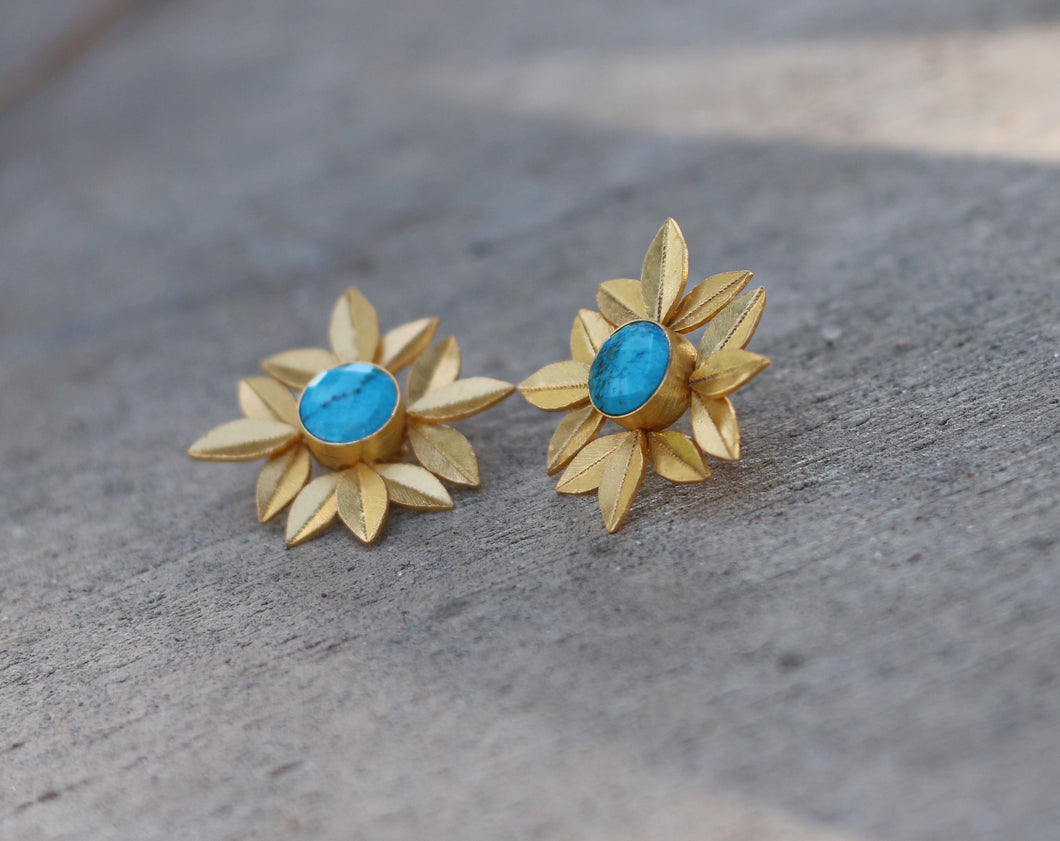 LEAF BUNCH TURQUOISE 18K GOLD PLATED EARRINGS