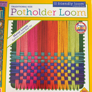 Traditional size Potholder Loom